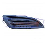Накладка ПТФ правая глухая неоригинал для Ford Fiesta 7 c 12-17