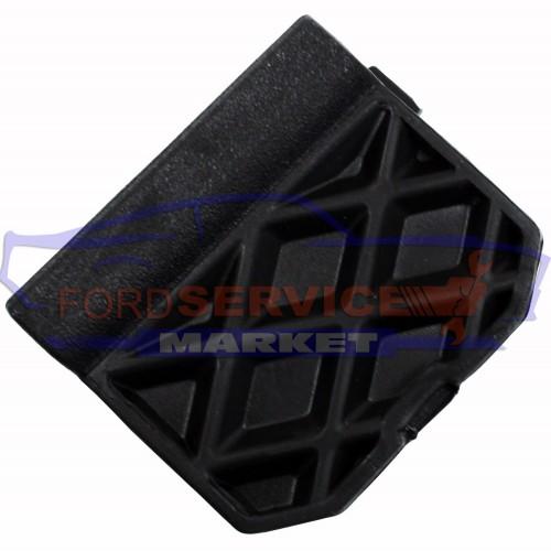 Заглушка буксировочного крюка заднего бампера неоригинал для Ford Focus 3 c 11-14 хетчбек