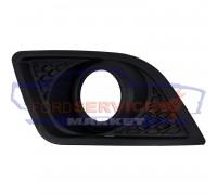 Накладка ПТФ правая черная неоригинал для Ford Fiesta 6 c 05-08