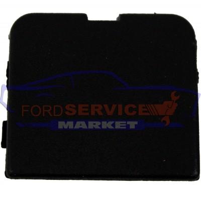 Заглушка буксировочного крюка заднего бампера неоригинал для Ford Focus 3 c 14-18 хетчбек